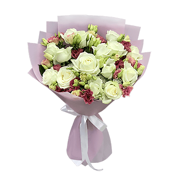 Bouquet of roses and lisianthus