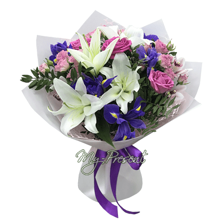 Bouquet of roses, lilies and alstroemerias