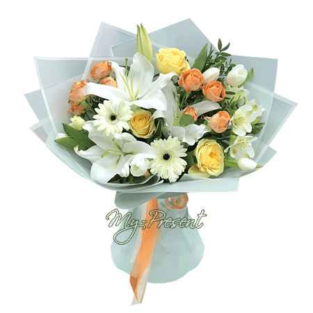 Bouquet of roses, lilies and gerberas