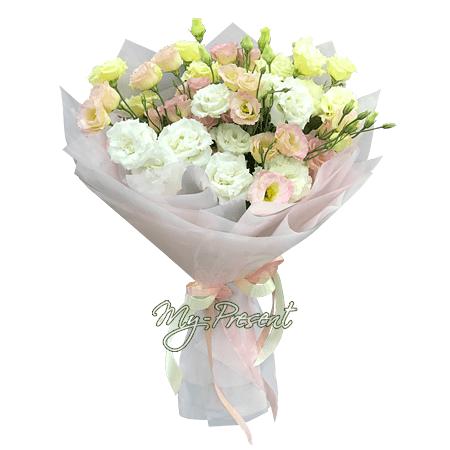 Bouquet of lisianthus
