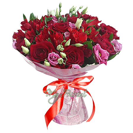 Bouquet of roses, alstroemerias and lisianthus