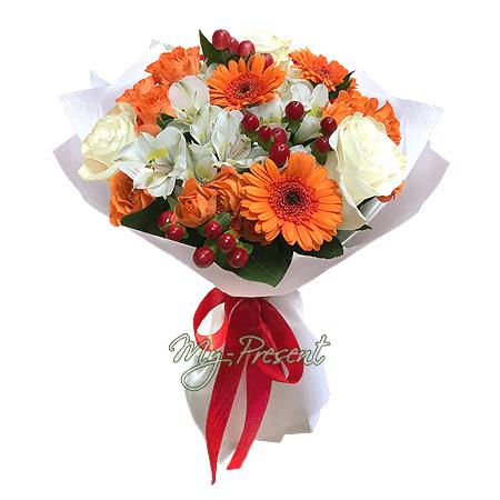 Bouquet of roses, gerberas and alstroemerias