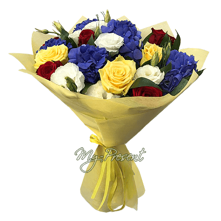 Bouquet of roses, hydrangeas and lisianthus